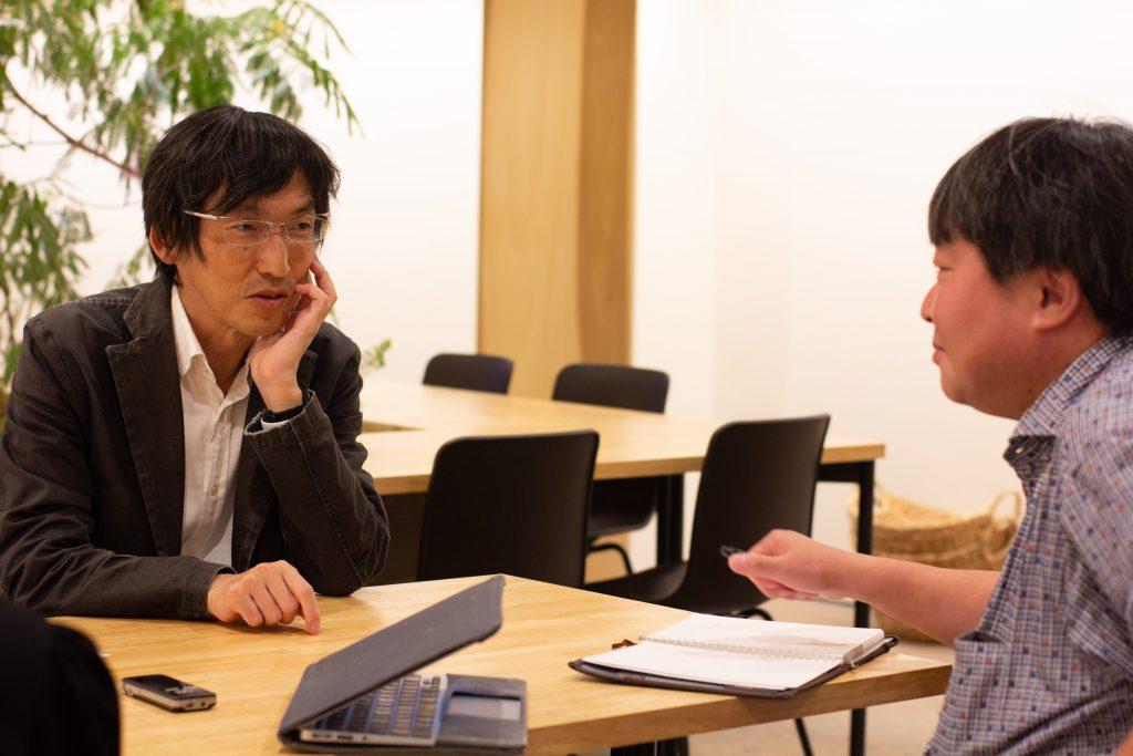 ▲いろんな意見の言いやすさ、アクセスのしやすさをめぐって、村井教授