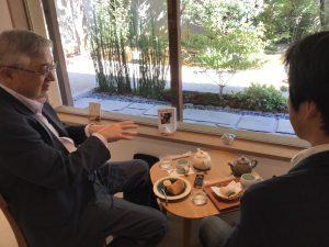 左手に齋藤先生、右手には村井先生